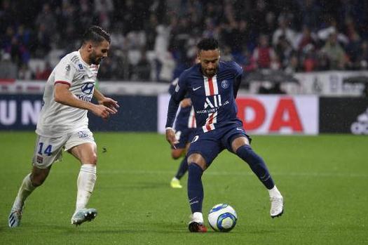 【法甲】内马尔连场绝杀 巴黎最终1-0战胜里昂