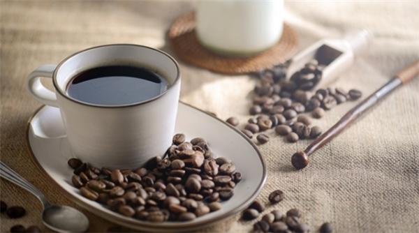 瑞幸咖啡亏损超5亿,年底真的有望超越星巴克吗?