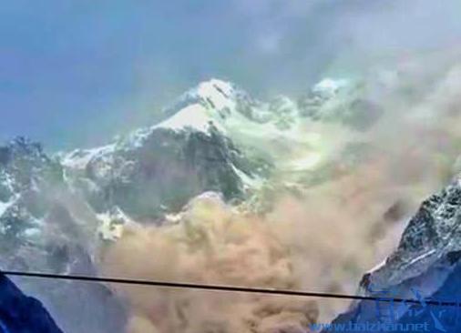玉龙雪山山体崩塌