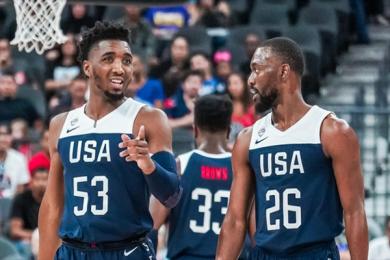 美国男篮内战蓝队大胜白队 97-78大比分实力碾压