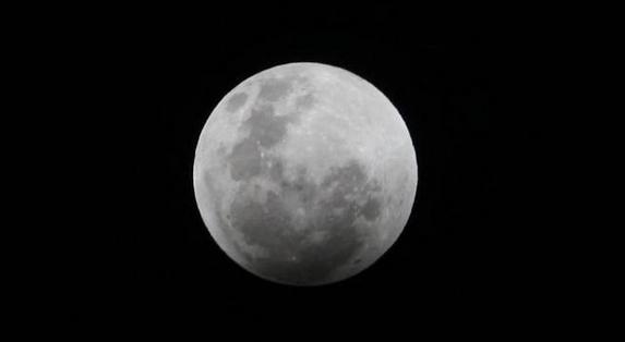 """月球正在冷却收缩,数亿年时间里已经""""瘦身""""50米"""