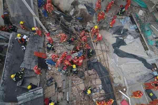 上海厂房坍塌10死是怎么回事███?有人医院抢救无效失去生命