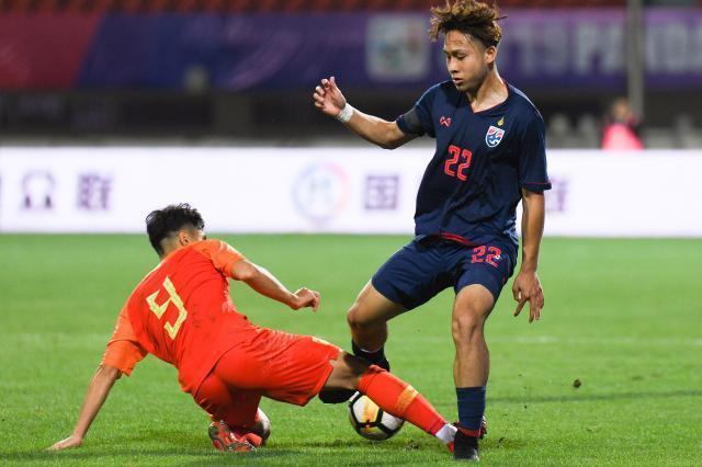 熊貓杯足球:中國國青0-2泰國 門將把球送進自家大門