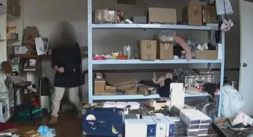 女子素颜盗窃未被认出,竟是自己前员工震惊老板