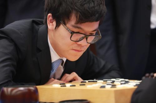 圍棋高手柯潔保送清華大學 曾與AI大戰三場