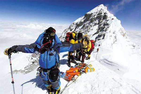 登珠峰者回應花錢找死,登山者的最高榮譽說法理應被認可