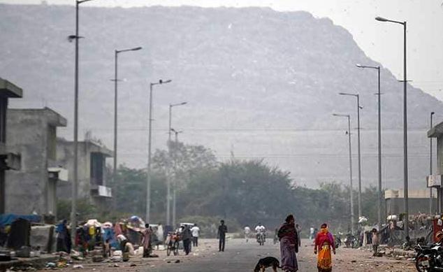 印度垃圾山高度超泰姬陵,全球污染最嚴重首都名不虛傳