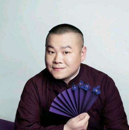 岳云鹏,1985年4月15日出生于河南濮阳,中国内地相声、影视男演员。2004年,投身相声界,拜郭德纲为师,主攻相声、太平歌词、竹板书。2005年,首次登台演出。岳云鹏学习相声是非常刻苦的,而这正是促使他成功的主要原因,他早晚能成为一个大角。