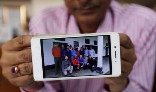 印度救援直升機攻頂受挫,被迫停止珠峰登山團失蹤人員搜救