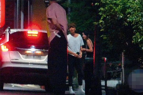 柯震東帶女星杜妍回家被拍無奈離開,柯震東十八歲女友是誰?
