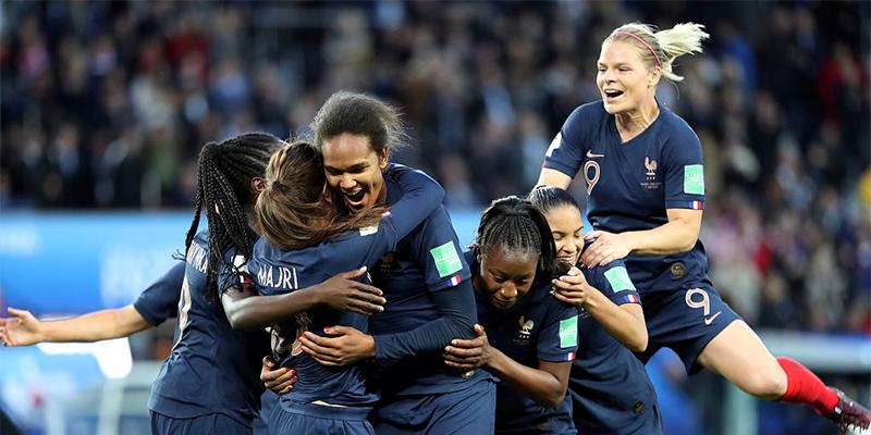 女足世界杯進首球,首次運用到女足世界杯的VAR也初顯身手