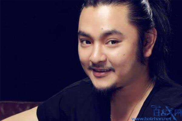 音乐总监刘洲被刑拘,这个男人是两档音乐节目的音乐总监
