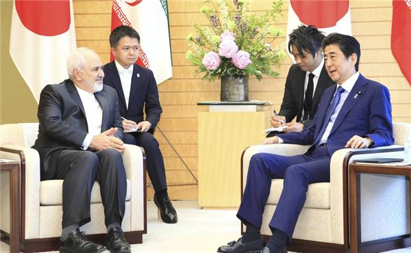 """日本首相安倍晉三訪問伊朗,欲要充當美伊""""和事老""""?"""