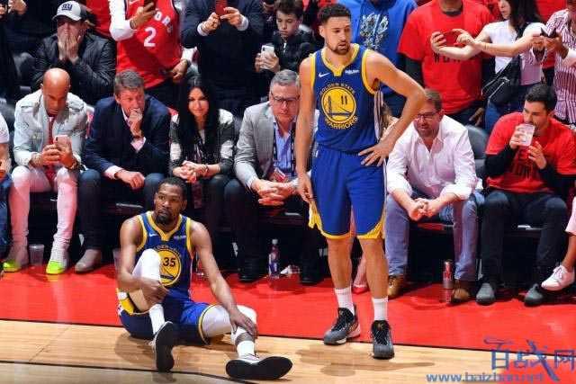 NBA猛龙球迷送鲜花给杜兰特:替加拿大向你道歉,希望你早日康复
