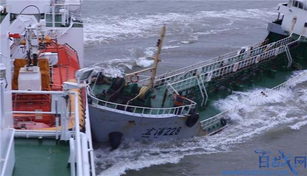 幽灵油船抗法逃逸