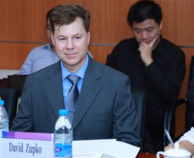 清华大学聘用首个外籍副处长,将迎来行政体制改革新突破