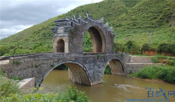 江西龙南桥坚强,500岁桥坚强,桥坚强