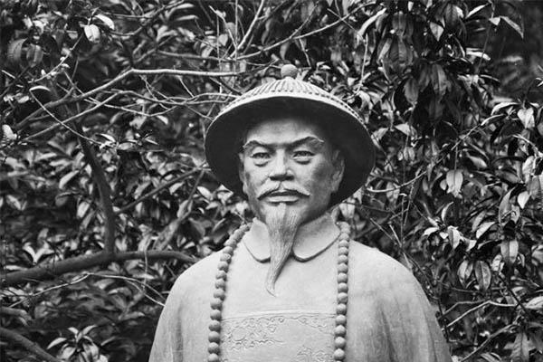 宫保鸡丁发明人墓穴在山东济南被发现,清朝名臣为何不落叶归根