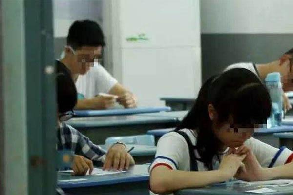 高考生睡午觉没人叫致缺考责任谁来担?学校先前做法引公愤