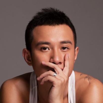 文章,1984年6月26日出生于陕西省西安市,中国内地男演员、导演。2006年毕业于中央戏剧学院表演系。2004年参演电视剧《与青春有关的日子》,开始在影视圈崭露头角。