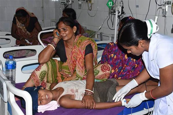 印度103名儿童医院不治身亡,当地爆发急性脑炎威胁孩子生命健康