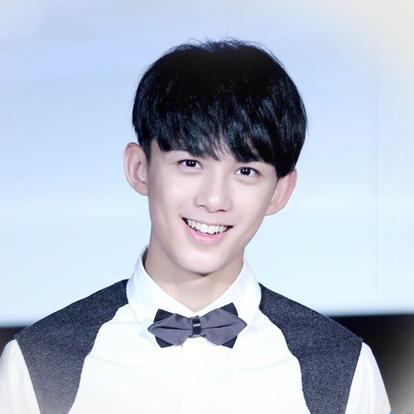 吴磊,1999年12月26日出生于上海,中国内地影视男演员。2005年,因出演个人首部作品《封神榜之凤鸣岐山》而踏入演艺圈。