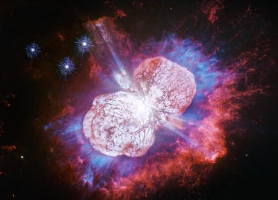 哈勃望远镜拍下宇宙爆炸瞬间图片,犹如慢动作下的烟花绽放一般