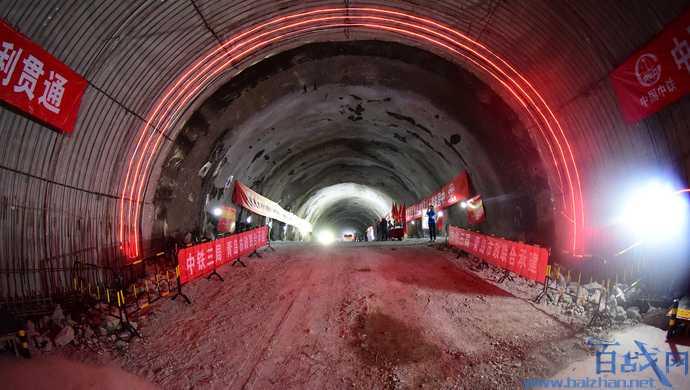 青岛胜利桥站塌陷,青岛地铁1号线塌陷,青岛地铁塌陷,青岛地铁