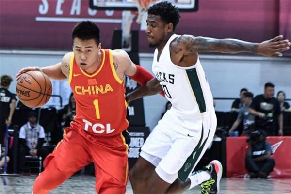 中国男篮不敌雄鹿
