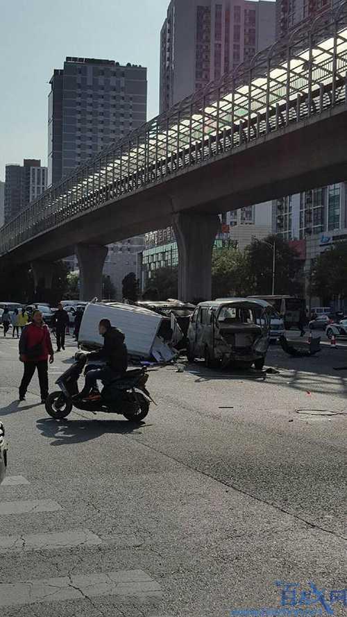北京车祸,北京南四环发生车祸,北京南四环车祸致2死