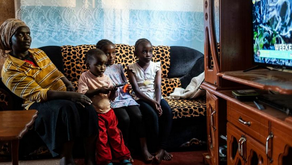 中国企业帮非洲村落看上电视,美国人又开始酸了