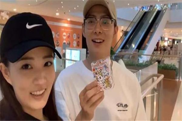 徐璐张铭恩正式晒出vlog公布恋情 甜蜜表白:vlog是我的,你也是我的!