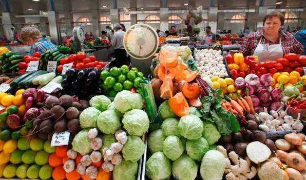 中国暂停采购美国农产品,特朗普出尔反尔必自食恶果