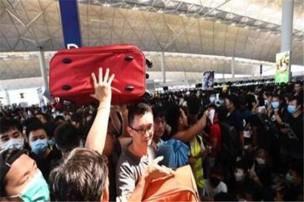 香港,香港机场,香港暴乱,香港机场瘫痪,香港机场停运,港独分子,极端分子