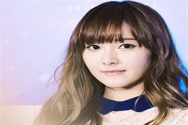 郑秀妍,郑秀妍被中国经济公司起诉,郑秀妍被起诉,郑秀妍被经纪公司起诉
