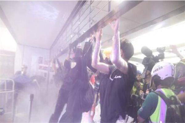 香港,香港地铁,港独分子,极端分子,香港警方,香港暴乱,香港元朗,元朗地铁站,元朗