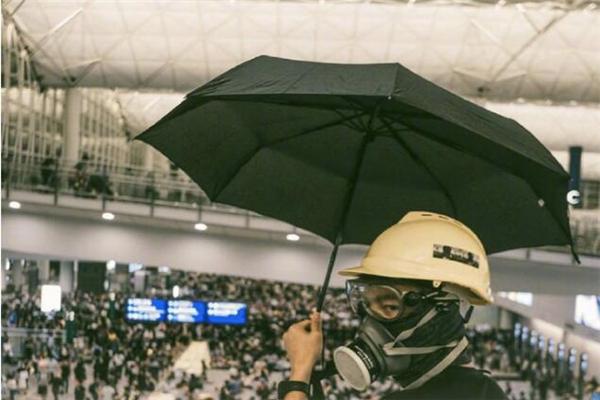 香港各界敦促立法禁蒙面参与示威集会 西方各国早已有类似规定