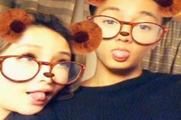 16岁年龄差的姐弟恋 萧亚轩公布恋情,男友仅24岁