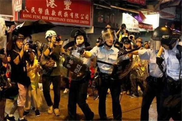 香港,香港暴徒,香港警察,香港暴�y,荃�潮�y,香港荃�潮�y,�Q��示警