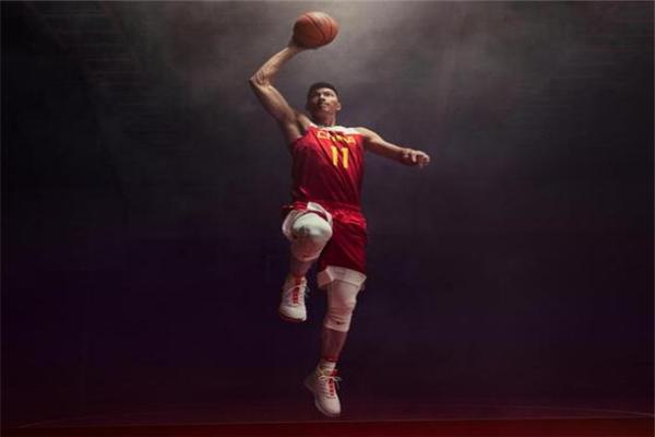 易建联,中国男篮,中国男篮队长,易建联担任中国男篮队长