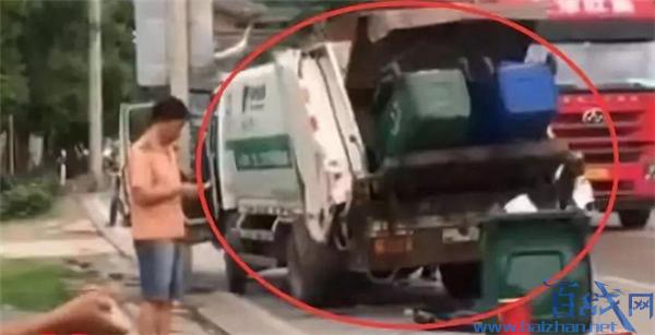 福州环卫车与公交相撞,一名环卫工人当场身亡