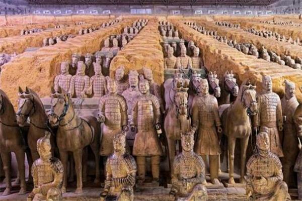 秦始皇的四个字导致大批工匠被杀却推动了中国兵器的发展 是哪四个字?