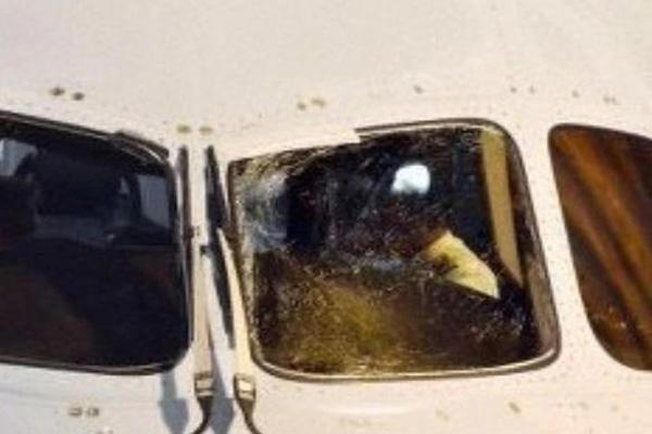 波音客机又出问题!波音787玻璃破裂迫降东京,你还敢乘波音的飞机吗?