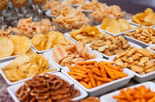 少年只吃垃圾食品致失明,家长们需要注意啦!