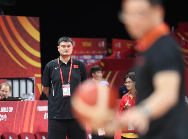 中國男籃無緣直通東京奧運會資格誰擔責?姚明一個字回應