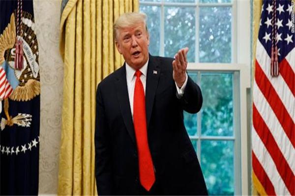 特朗普辟谣植发,特朗普植发,美国总统特朗普,美国总统特朗普辟谣植发,美国北卡罗来纳州