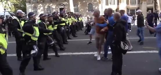 伦敦再爆发游行,英国伦敦反首相游行,英国伦敦暴力游行