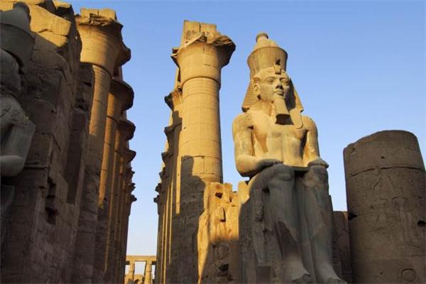 埃及开放古墓,埃及开放3300年历史古墓,埃及开放两座古墓,埃及古墓,卢克索神庙