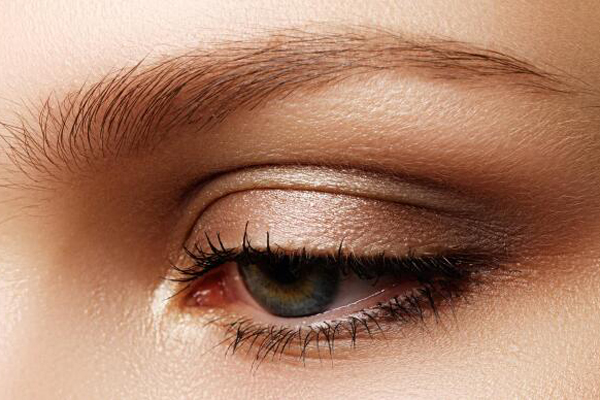 眼睛若出现一个特征,尽早去医院检查 可能是癌!