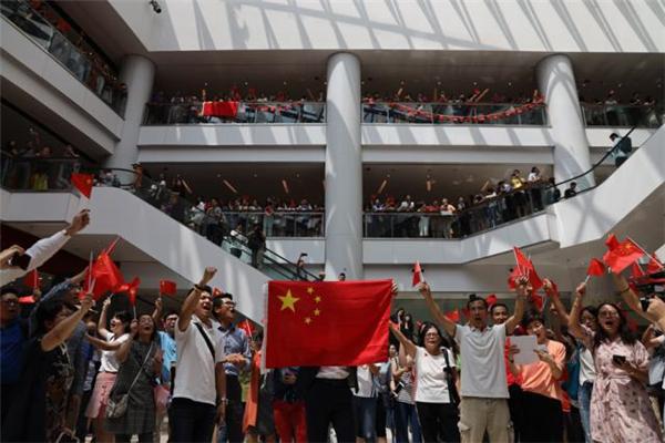 中秋节香港市民合唱国歌,香港市民合唱国歌,香港市民,香港奥海城合唱国歌,香港市民奥海城合唱国歌